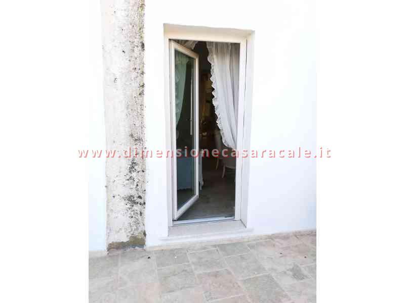 Intallazione infissi in PVC in B&B centro storico veduta esterna infissi PVC Lecce e provincia PVC REHAU I NOBILI 4