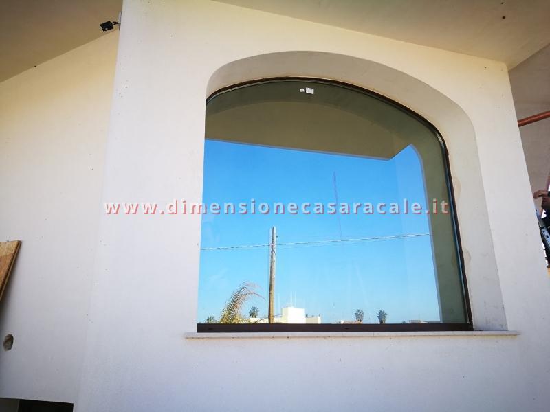 Realizzazione in Lecce e provincia di infissi in PVC linea Cavaliere a marchio I NOBILI e ferramenta AGB 2