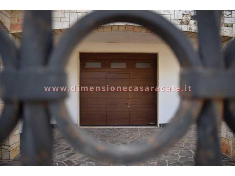 Vendita e installazione di portoni garage sezionali Hörmann in Lecce e provincia anche su misura con colori a scelta