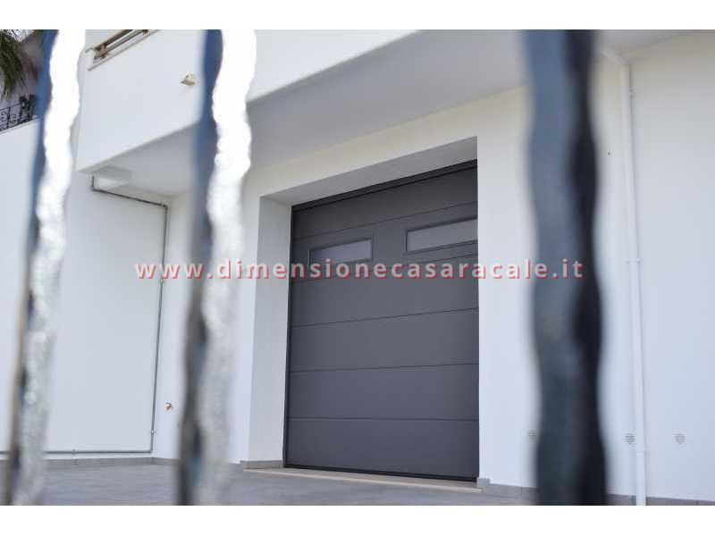 Vendita e installazione di portoni garage sezionali Hörmann in Lecce e provincia 1