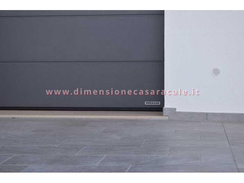 Vendita e installazione di portoni garage sezionali Hörmann in Lecce e provincia 2