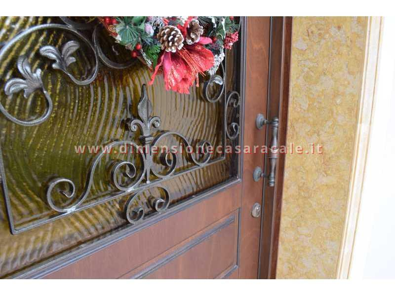 portoni in legno da ingresso Fiore Ebanisteria 4