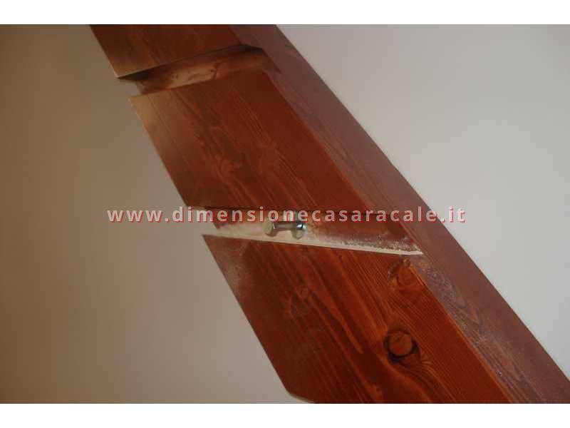 Realizzazione e installazione di scale in legno in abitazioni private 1
