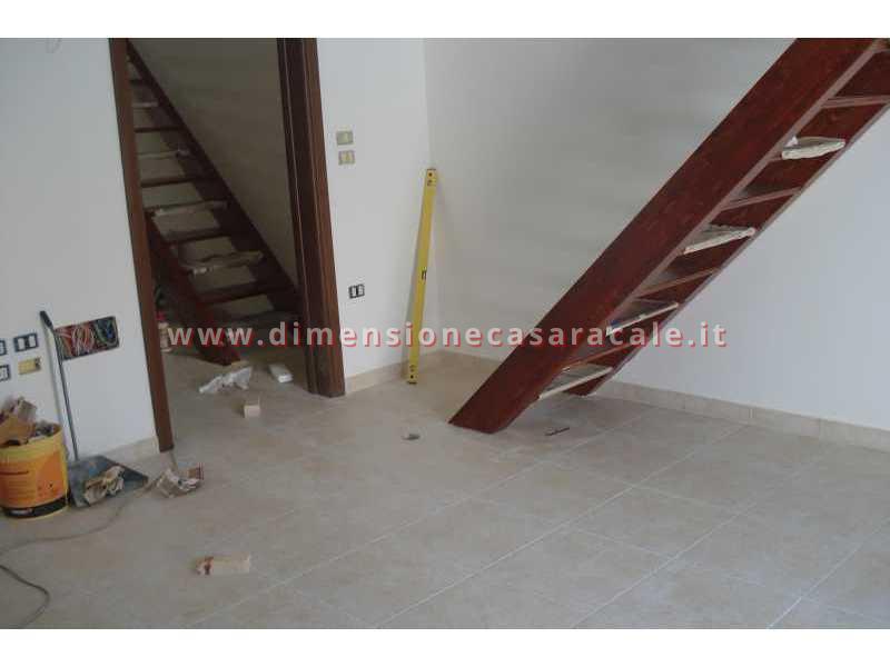 Realizzazione e installazione di scale in legno in abitazioni private 3