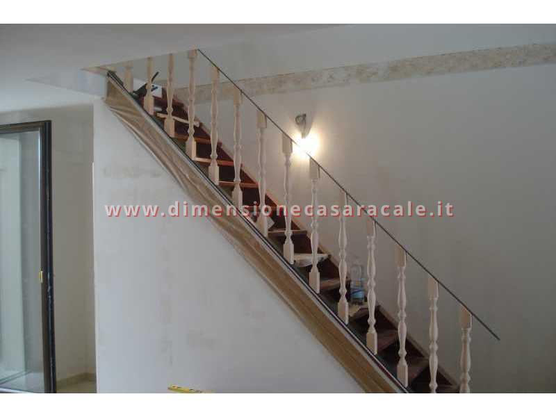 Realizzazione e installazione di scale in legno in abitazioni private 4