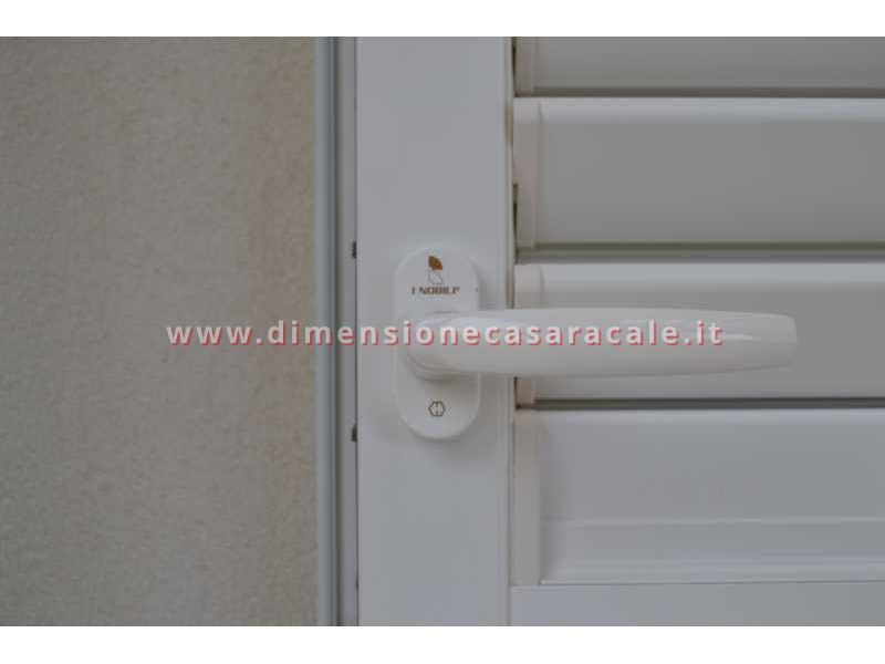Installazione di sistemi oscuranti in abitazioni private 7