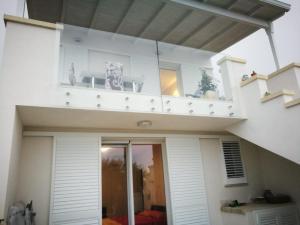 Installazione in Lecce e provincia di persiane in alluminio I Nobili linea Reginetta profili Rehau