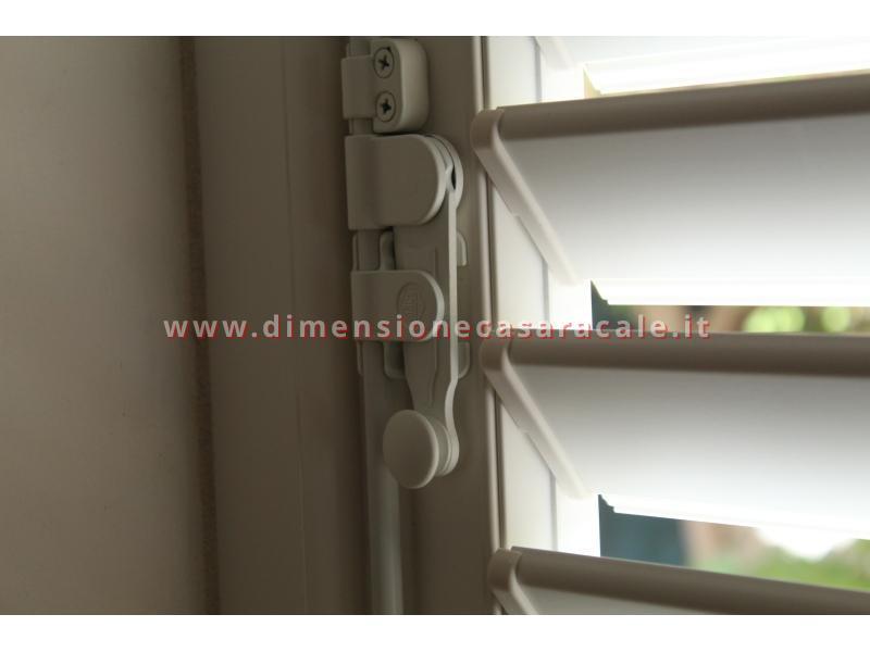 Persiane in alluminio con profilo Rehau I NOBILI linea Reginetta 11