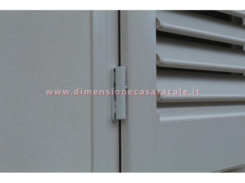 Persiane in alluminio con profilo Rehau I NOBILI linea Reginetta 7